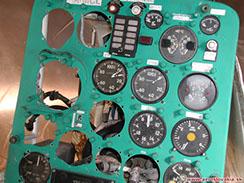 Časť prístrojovej dosky vrtuľníka Kamov Ka-26